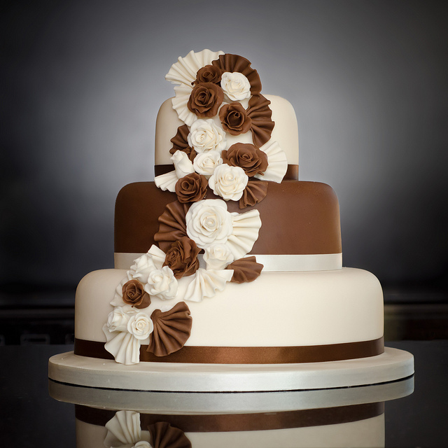Three Tier Wedding Cakes Picture in Wedding Cake
