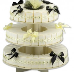 550x626px Tiered Cake Box Picture in Cake Decor
