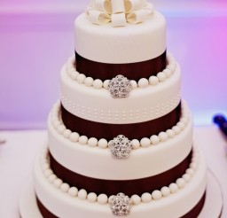 533x800px Wedding Cake Brooches Picture in Wedding Cake
