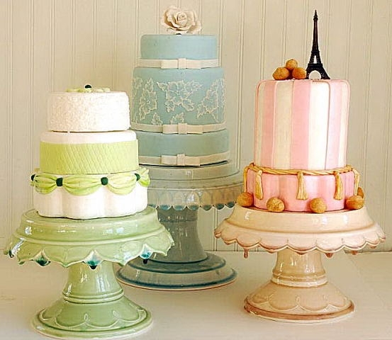 Cake Stands Picture in Wedding Cake