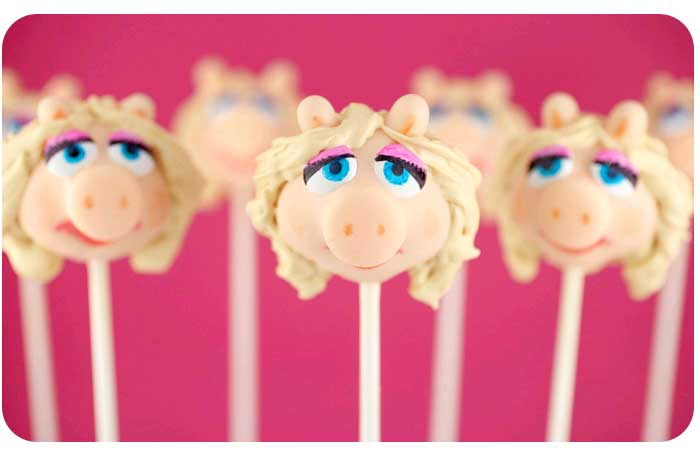 Cupcake Pops Maker Picture in Cake Decor