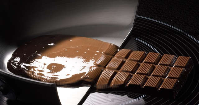 Melting Chocolate Brands Picture in Chocolate Cake