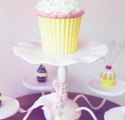 699x1049px Online Bakery Supplies Picture in Cupcakes