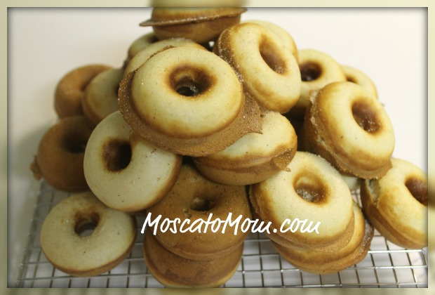 Amazing Baby Cakes Doughnut Maker Picture in pancakes