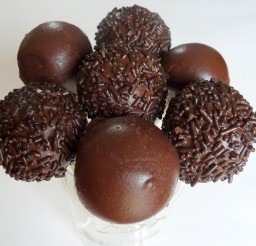 640x582px Dipping Chocolate For Cake Balls Picture in Cake Decor