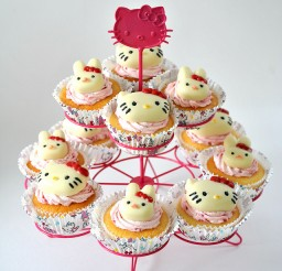 640x640px Hello Kitty Cupcake Holders Picture in Wedding Cake