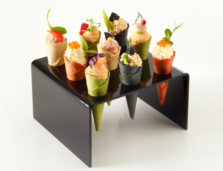 Mini Cone Holder Picture in Cupcakes