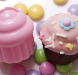 736x490px Mini Cupcake Molds Picture in Cupcakes