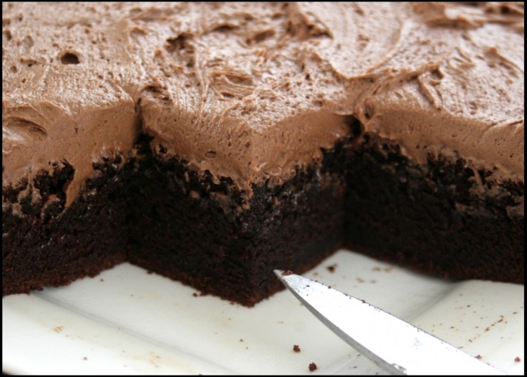 What Is The Best White Chocolate For Melting Picture in Chocolate Cake